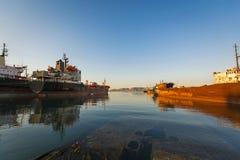 Embarcações de carga para a sucata Fotografia de Stock Royalty Free
