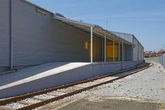 Embarcadère d'entrepôt photographie stock libre de droits