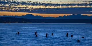 Embarcadero abandonado en Tacoma Washington en el crepúsculo foto de archivo libre de regalías