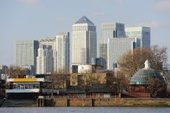 Embarcadero amarillo, Londres, Inglaterra, Reino Unido, Europa Imagen de archivo