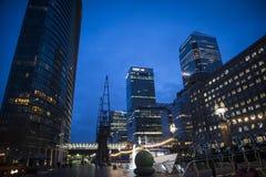 Embarcadero amarillo, Londres, Reino Unido imágenes de archivo libres de regalías