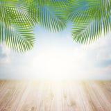 Embarcadero con el cielo en salida del sol Imagen de archivo libre de regalías