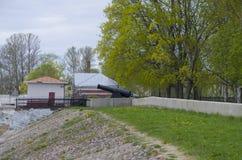 Embarcadero con el faro en Kronstadt Rusia Fotos de archivo libres de regalías