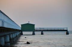 Embarcadero de madera hermoso en la Suecia, Malmö imagen de archivo libre de regalías
