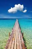 Embarcadero de madera, isla de Kood, Tailandia Imágenes de archivo libres de regalías