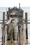 Embarcadero de madera viejo fotografía de archivo