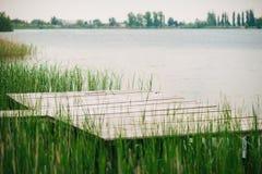 Embarcadero de madera viejo foto de archivo