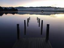Embarcadero del lago Inle de la madrugada fotografía de archivo