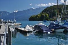 Embarcadero del velero, Thunersee, Spiez, Suiza Foto de archivo