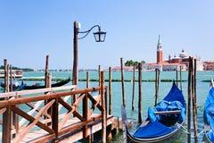 Embarcadero en el canal de San Marco, Venecia, Italia Imagen de archivo libre de regalías