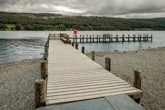 Embarcadero en el distrito inglés del lago Coniston Fotografía de archivo