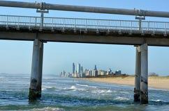 Embarcadero en el escupitajo - Queensland Australia de Gold Coast Imágenes de archivo libres de regalías
