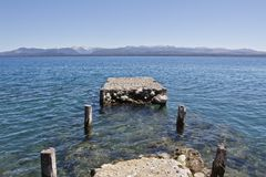 Embarcadero en el lago Caminar aventura en San Carlos de Barilochein Imagenes de archivo