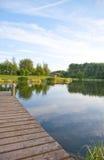 Embarcadero en el lago escénico Imágenes de archivo libres de regalías