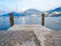 Embarcadero en el lago Garda, Italia fotografía de archivo libre de regalías