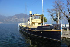 Embarcadero en el lago Iseo en Italia Fotos de archivo libres de regalías