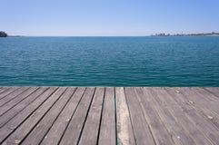 Embarcadero en el lago Issyk-Kul Fotografía de archivo libre de regalías