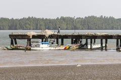 Embarcadero en el río de Gambia Foto de archivo libre de regalías