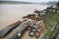Embarcadero en la ciudad vieja de Zhouzi imagenes de archivo
