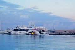 Embarcadero en la costa de España Fotos de archivo libres de regalías