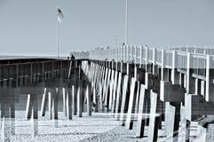 Embarcadero en la exposición doble del océano Imagenes de archivo