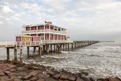 Embarcadero en la isla de Galveston, Tejas Foto de archivo