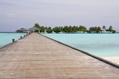 Embarcadero en la isla tropical Fotografía de archivo libre de regalías