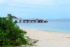 Embarcadero en la playa Imágenes de archivo libres de regalías