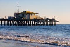 Embarcadero en la playa de Santa Mónica Fotos de archivo