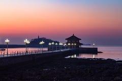 Embarcadero en la salida del sol, Qingdao de Zhanqiao Imágenes de archivo libres de regalías