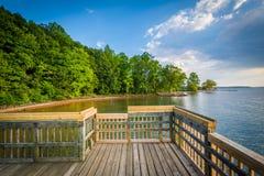 Embarcadero en normando del lago, en Ramsey Creek Park, en Cornelio, C del norte imagen de archivo libre de regalías
