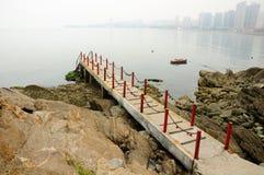 Embarcadero en Yantai China fotos de archivo