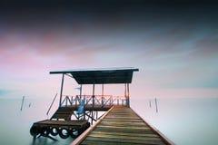 Embarcadero flotante Fotografía de archivo libre de regalías