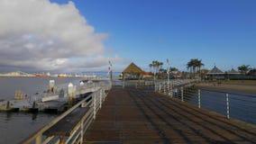 Embarcadero hermoso de Coronado en la bah?a de San Diego - California, los E.E.U.U. - 18 de marzo de 2019 almacen de metraje de vídeo