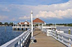 Embarcadero histórico de la playa de Bradenton Foto de archivo libre de regalías