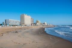 Embarcadero, hoteles y atracciones de Virginia Beach Oceanfront With Fishing fotos de archivo