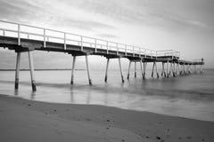 Embarcadero largo de la playa del tiro de la exposición fotografía de archivo libre de regalías