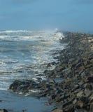 Embarcadero rocoso largo Foto de archivo
