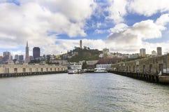 Embarcadero 33, San Francisco de Alcatraz Foto de archivo libre de regalías