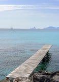 Embarcadero sobre el mar Imágenes de archivo libres de regalías