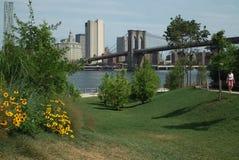 Embarcadero uno Nueva York del parque del puente de Brooklyn imagenes de archivo