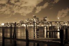 Embarcadero de madera en Miami   imagen de archivo