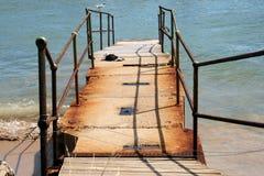 Embarcadero viejo aherrumbrado Imagen de archivo libre de regalías