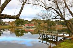 Embarcadero y Boathouse del daylesford del lago Imágenes de archivo libres de regalías