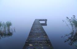 Embarcadero y niebla Imagen de archivo
