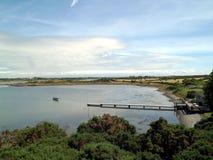 Embarcadero y paisaje de la bahía Foto de archivo libre de regalías