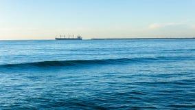 Embarcaderos del puerto del océano de la salida de la nave Imagenes de archivo