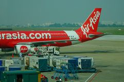 Embarcadouro dos aviões em Singapura Changi foto de stock