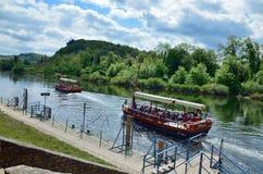 Embarcations de plaisance sur la rivière Dordogne image stock
