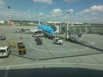 Embarking klm plane in Bucharest, Henri Coanda Air. KLM plane inOtopeni airport, Romania Royalty Free Stock Photography